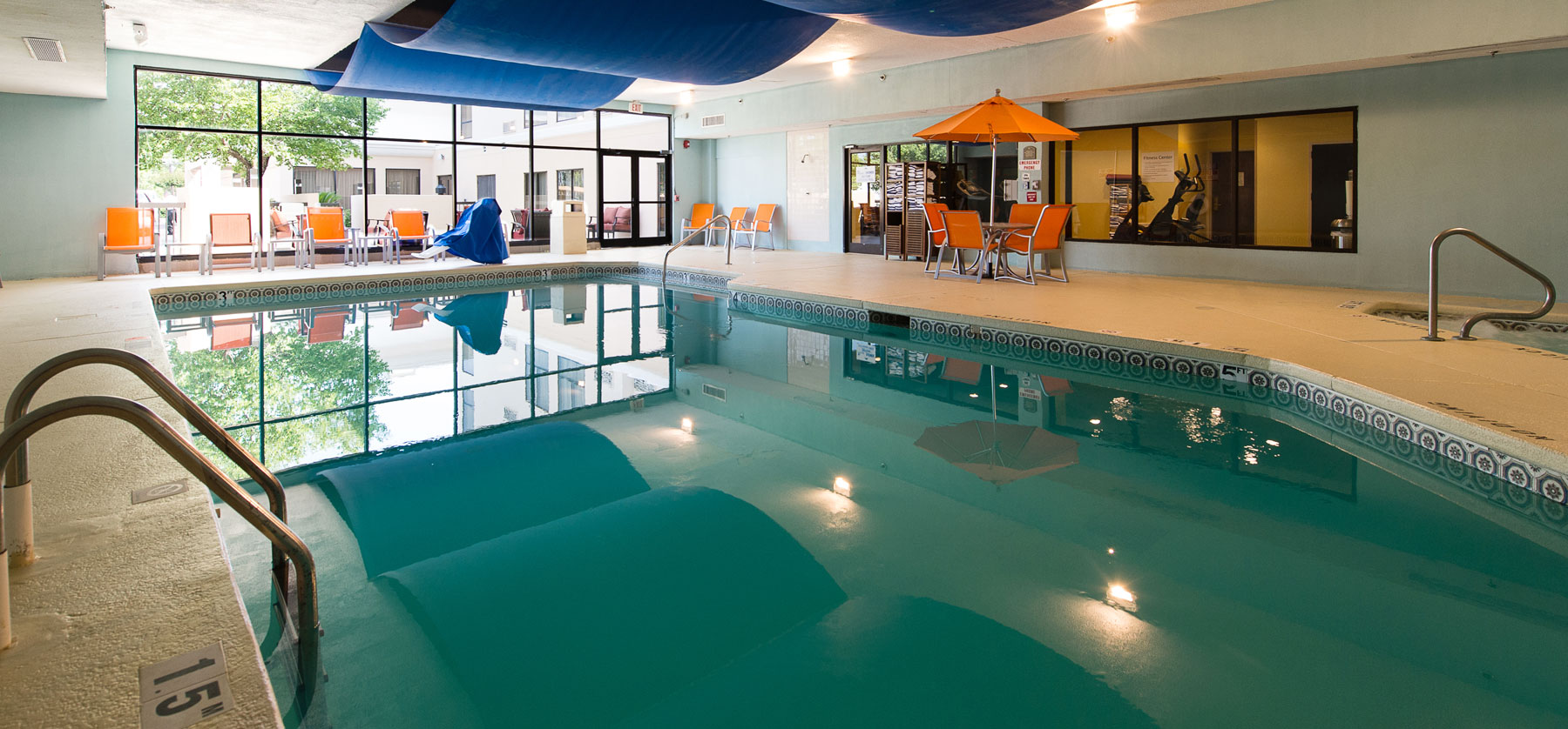 wilmington hotel with an indoor pool holiday inn. Black Bedroom Furniture Sets. Home Design Ideas